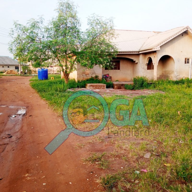Bungalow Building with 4 Self Contains For Sale at Anu-Oluwapo Estate, Igbe-Laara Ikorodu, Lagos State